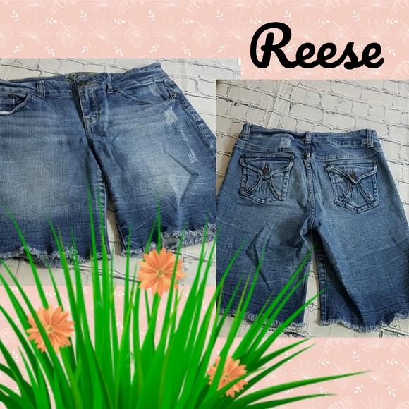 CLOSING Delias Reese Denim Cargo Shorts